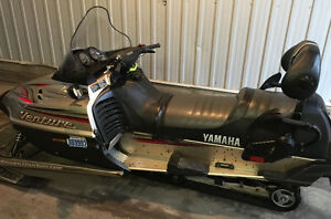2001 Yamaha Venture 700 triple snowmobile