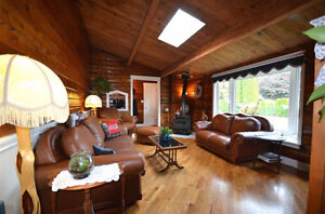 Wheelchair Accommodating 3 Br Log Home W 2Br Suite