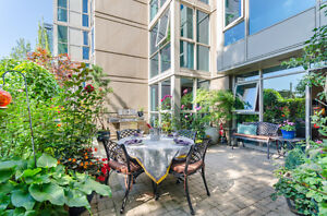 Huge Sunny Patio Space in Yaletown