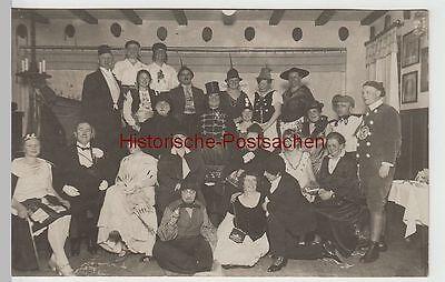 (F3558) Orig. Foto Fasching, Karneval, Personen im Kostüm i. Lokal vor 1945