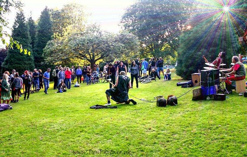 VERSATILE DRUMMER needed for WELL PAID BUSKING GIGS
