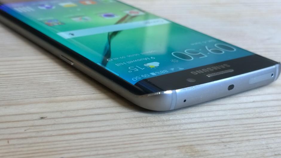 Изображение товара Samsung Galaxy S6 edge + plus Cracked Screen Glass Repair Replacement Service