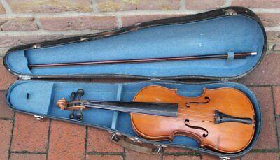 Geige in Koffer mit Bogen, Alters-u. Gebrauchsspuren, L-55 cm   (281-11095)