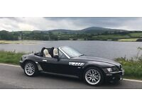 BMW z3 Roadster 2.2i Sport Jet Black / Lotus White Leather Sports Seats