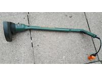 black and decker grass trimmer in excellent condition works like new