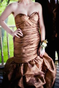Size 2/4 Tony Bowls Prom Gown