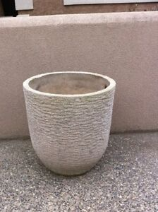 4 Decorative Concrete Patio Pots
