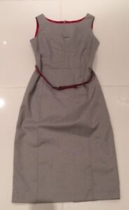 women's dresses size 4 small/ robe grandeur 4 small