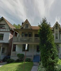 69 RIVERDALE, Broadview/Gerrard, Multi-Level 2BR, Laundry/Deck