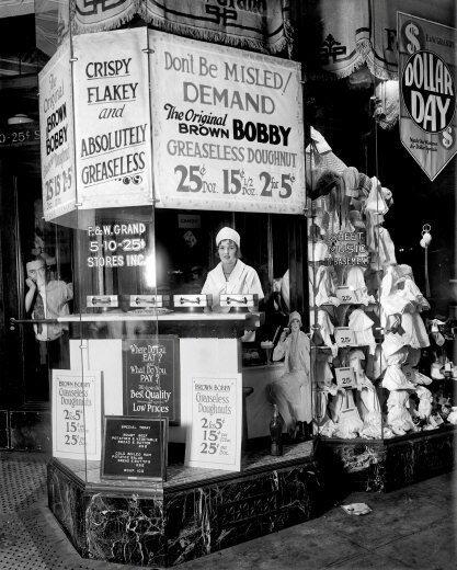 1925 Brown Bobby Doughnut Stand Photo 8x10