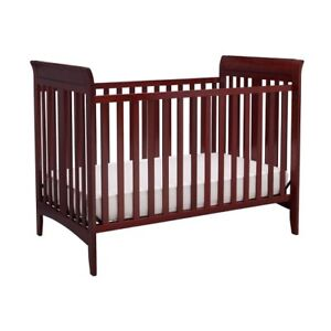 ALMOST BRAND NEW 3 in 1 Delta Crib with MATTRESS from pet/smoke