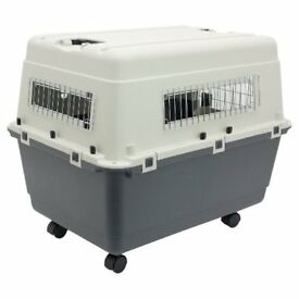 Great quality pet travel crate/carrier. Ideal for medium sized dog / two cats. Lightweight & sturdy.