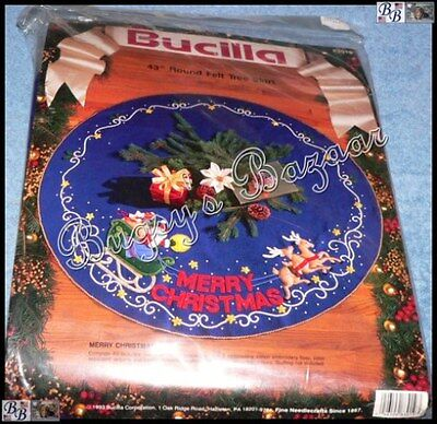 Bucilla MERRY CHRISTMAS Tree Skirt Felt Applique Kit - Santa & Sleigh - 83019