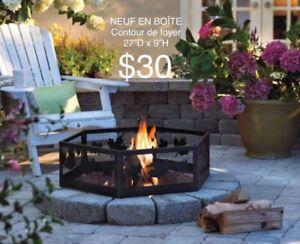 """N EUF EN BOÎTE Contour de foyer 27""""D x 9""""H. $30"""