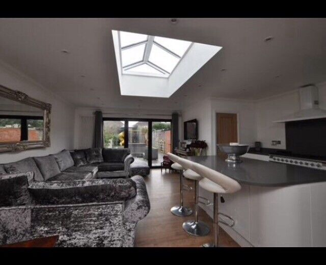 2 Bed Bungalow, recently extended and has open