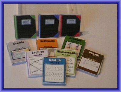 10 Schulbücher und Hefte -   Miniatur für die Puppenstube 1.12