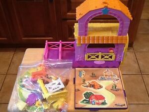 Dora the Explorer's Pony Palace with accessories