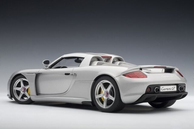 Porsche Carrera GT Silver 1:18  - 78046 Autoart