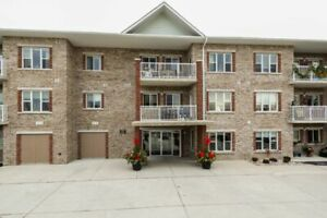 1 & 2 Bedroom Suites in Exeter! Central AC, In-Suite Laundry