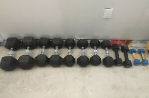 Set Rubber Hex Dumbbells 5lbs to 40lbs weights no bench rack