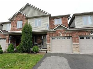 Beautiful Losani-built freehold townhouse in Binbrook