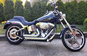 Beautiful 05 Harley Softail Deuce!!