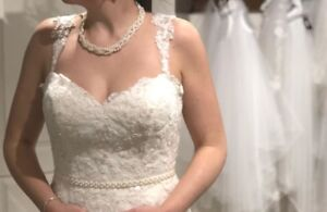 Size 10 Wedding Dress: NEVER WORN/ALTERED
