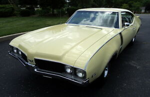 RESTORED-1969-OLDS-442-S-MATCHING-LOADED-COLD-A-C-PDB-PS-BUCKET-SEATS-CONSOLE