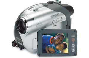 Sony Handycam DCR-DVD105 Camcorder  like new condition!!