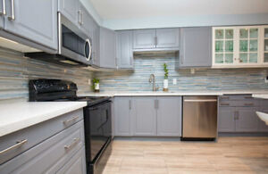 ⭐️END UNIT TOWNHOUSE W/ FRONT-BACK LANDSCAPING+UPGRADED KITCH+⭐️