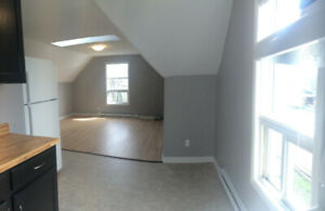1 BDRM apt for rent St Catharines - AC, laundry, parking