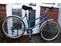 **PEUGEOT LADIES / WOMENS 21 SPEED TOWN BIKE WITH MUDGUARDS - CLEANED & SERVICED - MINT CONDITION**