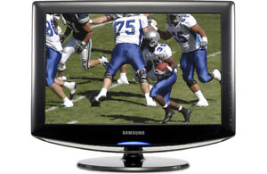 "Samsung LCD HDTV 19"" - Used, Good Condition"