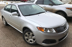 2010 Kia Magentis LX Sedan ***$5,900 OBO***
