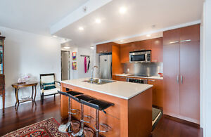Downtown 2 Bedroom & Den with 2 Parking!