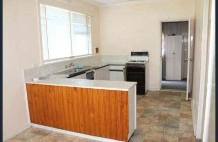 Single Room available in Altona 550/Month