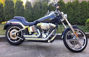Beautiful Softail Deuce With lots of extras!!!!!!