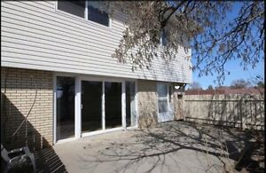 July 1-Royal Gardens/Greenview(by118st 44 ave)3 bed townhouse