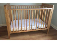 Mamas and Papas golden oak Pebble cot