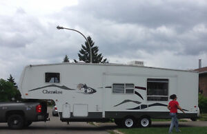 ** À VOIR ** IMPECCABLE **  FIFTH WHEEL CHEROKEE LITE 285K