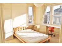 ***MODERN 4 BEDROOM + SEPARATE RECEPTION + PRIVATE GARDEN IN LEYBURN ROAD N18***