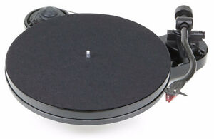 ***Pro-Ject Audio RPM 1 Carbon/2M Red Turntable***