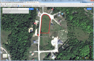 Lot for sale at the foot of the Gatineau Park