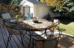 Outdoor table & chairs for sale.