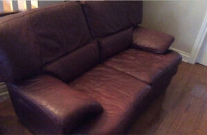 Causeuses en cuir - leather sofa
