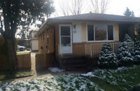 $1100 / 3br - Duplex Upper all inclusive (internet included)