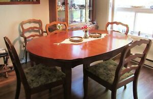 Seven Piece Dining Suite London Ontario image 1