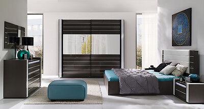Modernes Designer Schlafzimmer Komplett Linn Hochglanz schwarz mit LED  - Schlafzimmer Leder Fußteil