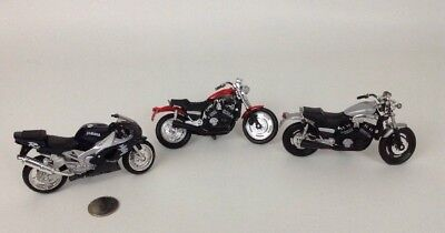 """Motorcycle 1:18 Scale Die-cast Yamaha Bike 3pc Lot Vintage LOT 90s Maisto 5"""" , used for sale  Warren"""
