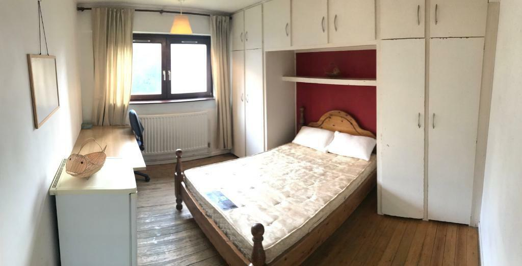 Double room in Surrey Quays/Canada water.All included